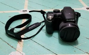 Fuji digital camera 14 MP, 26 X Optical zoom. Good Condition . Working very good for Sale in Saint Paul, MN