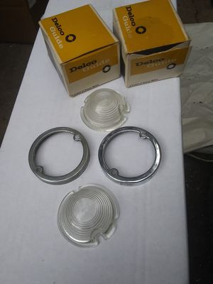 1950 gmc / delco /guide nos parklight lenses & bezels for Sale in Castro Valley, CA