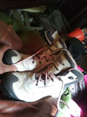 Columbia snowboarding boots for Sale in Puyallup, WA