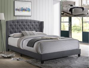 NEW IN THE BOX. ROSEMARY QUEEN PLATFORM BED- GREY FINISH, SKU# TC5266-GY for Sale in Fountain Valley, CA