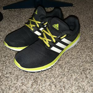 Adidas Cloudfoam Size 10.5 for Sale in Muskegon Heights, MI