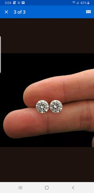 Brand new never worn 1/4 CT DIAMOND EARRINGS for Sale in Columbia, SC
