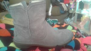 Women's size 6 Uggs nwot for Sale in Cleveland, OH