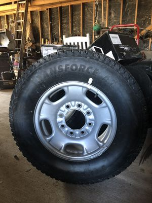1. Size Lt265/70R17 tires and rim for sell. Brand new spare tire. for Sale in Española, NM
