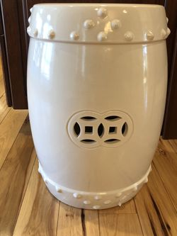 Ballard Designs Classic Garden Stool. Like New! Paid $162 for Sale in West Chester,  PA