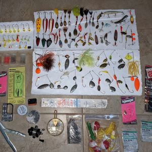 Large 100+ lot of FISHING LURES & Misc Mepps etc for Sale in Mesa, AZ