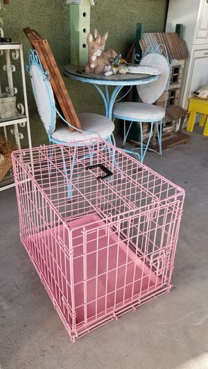 Small Pink Dog Cage for Sale in Peoria, AZ