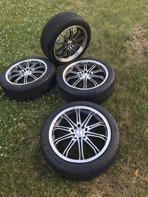 Rims 17 MAXXIM for Sale in Arlington Heights, IL