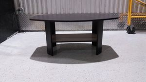 Small coffee table for Sale in Hodgkins, IL