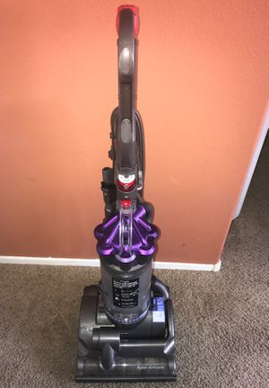 Dyson airmuscle DC28 animal vacuum for Sale in Las Vegas, NV