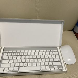 Apple Magic Keyboard And Magic Mouse for Sale in Brooklyn, NY