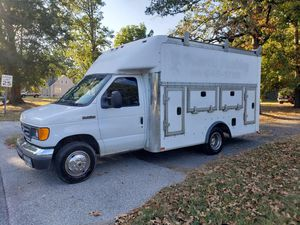 Ford 2007 E350 walk-in utility Diesel for Sale in Forest Heights, MD