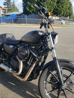 2017 Harley With 2200 Miles Clean Title. Like New for Sale in Lynnwood,  WA