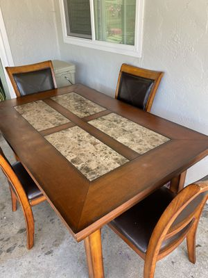 Dinning table for Sale in Chula Vista, CA
