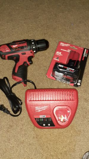 "Milwaukee M12 3/8"" Drill/Driver Kit with Redlithium XC6.0 Battery for Sale in Baltimore, MD"