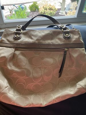 Authentic Coach Purse (Used) for Sale in Vista, CA
