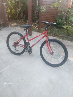 Bicycle Giant 26 for Sale in Miami, FL