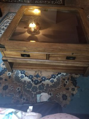 Coffee table and sofa for Sale in Reynoldsburg, OH