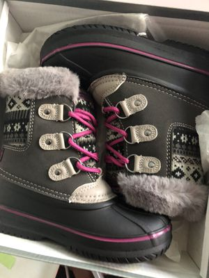 Girls snow boots for Sale in Bloomington, CA