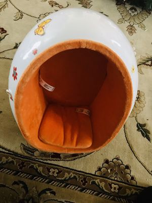 American girl doll speaker chair for Sale in Fort Washington, MD