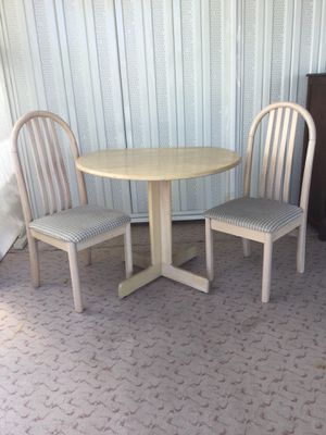 Kitchen table and chairs for Sale in Mesa, AZ