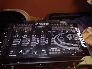 Pyle pro dj mixer with aclasse audio amplifier for Sale in Pompano Beach, FL