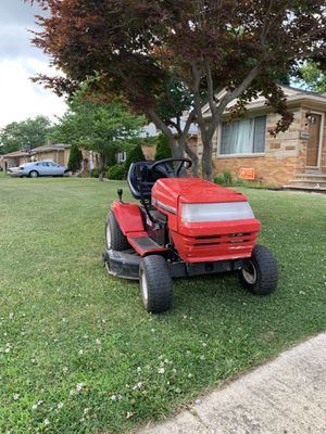 Riding lawn mower tractor for Sale in Parma, OH