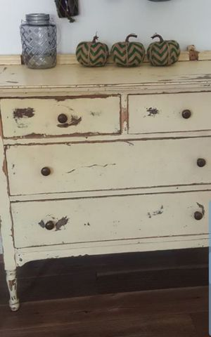 Shabby chic Dresser for Sale in West Covina, CA