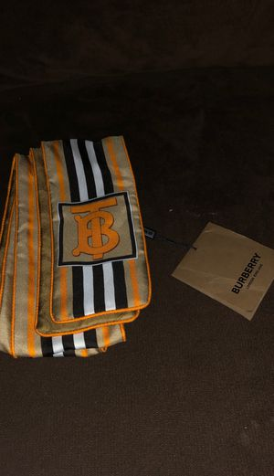 New Burberry Scarf for Sale in Lake Forest, CA