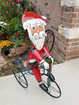 Santa Claus Metal Plant Stand (Yard Art) for Sale in Wylie, TX