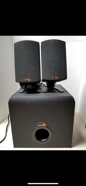 Klipsch promedia 2.1 speakers and sub. Sub not working. Have replacement for $20, don't know how to do it myself. for Sale in Chicago, IL