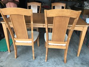 Breakfast Table for Sale in Lilburn, GA