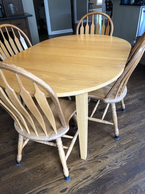 Table and chairs for Sale in Shawnee Hills, OH