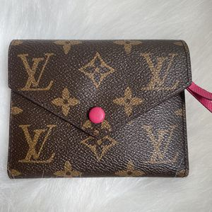 LV Wallet for Sale in Arcadia, CA