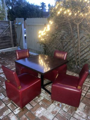 Swanky table & chairs! for Sale in Marina del Rey, CA