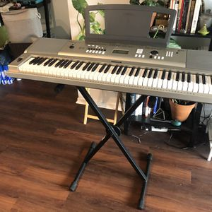 Piano / Keyboard for Sale in Los Angeles, CA