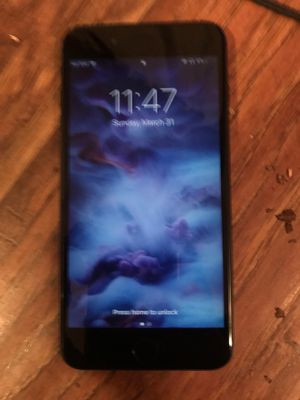 iPhone 8 Plus black for Sale in Wichita, KS