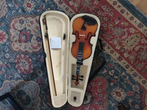 Brand New never used Violin perfect for Learners or Beginners. for Sale in Metuchen, NJ
