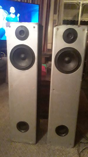 Polk Audio M20 Value-Packed 2-Way Tower With Front Bass Port for Sale in Asheboro, NC