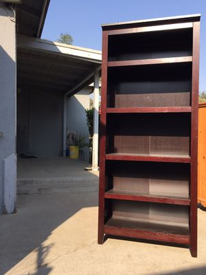 Shelf very tall in good condition. for Sale in Fresno, CA