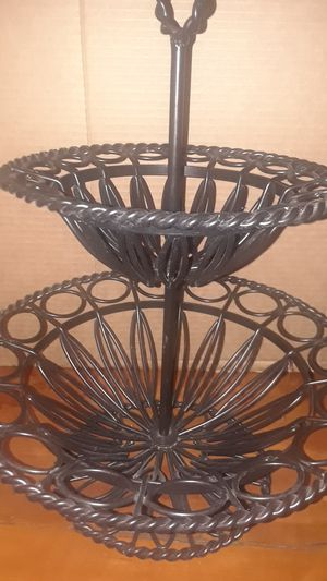 "19"" TALL x 14""x 10"" WROUGHT IRON FRUIT BASKET CENTERPIECE for Sale in Stockton, CA"
