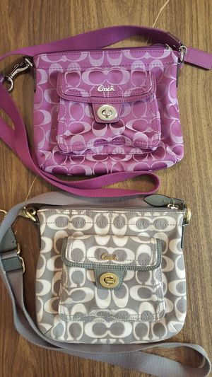 2 coach bags for Sale in Brooklyn, NY