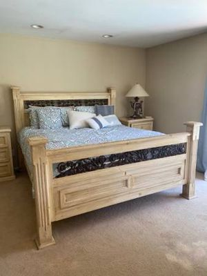 King Size 5 Piece Bedroom Furniture Set for Sale in Los Angeles, CA