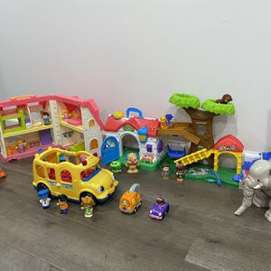 Fisher Price little people LOT for Sale in Alexandria, VA