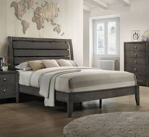 Queen bed w/ mattress and box spring for Sale in Pickerington, OH