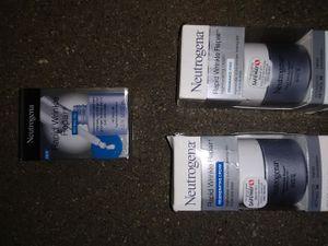 Neutrogena rapid wrinkle repair serum rejuvenating cream and fragrance-free for Sale in Renton, WA