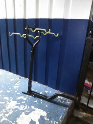 trailer hitch Bike rack by Hollywood for Sale in Emeryville, CA