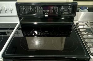 Whirlpool Stove Electric for Sale in Hartford, CT