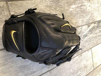 Nike alpha huarache Baseball glove for Sale in Paramount,  CA