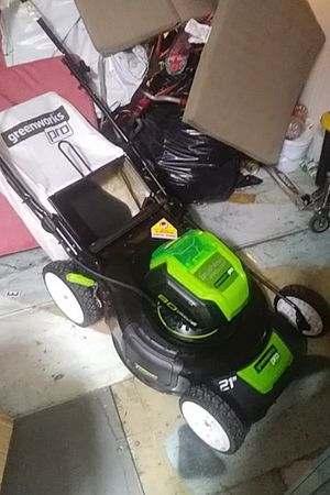 One left laWn mower for Sale in San Diego, CA